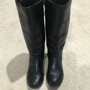 Knee high boots Black Girls size 4